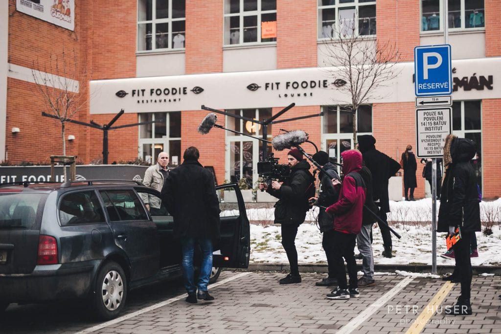 Scéna na parkovišti ze studentského filmu Cornelie | Rozhovor Radim Svoboda